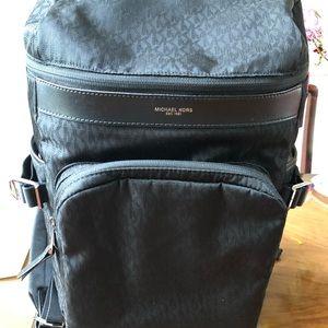 Man 👨 backpack color black